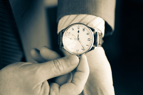 Was ist der Unterschied zwischen einer Quarzuhr und einer Automatikuhr ?