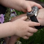 Wie kann Kindern am einfachsten das Lesen von Uhren beigebracht werden?