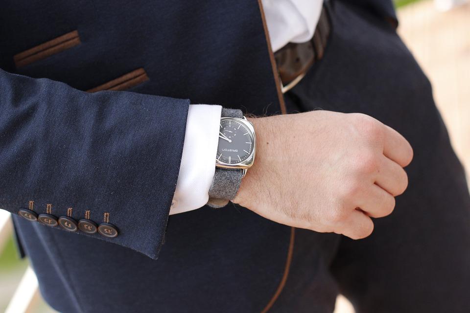 Uhren zum Anzug: Worauf gilt es zu achten?