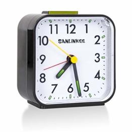 sanlinkee Wecker Analog Ohne Ticken Wecker am Bett Batteriebetriebene kleine Tischuhren Lautlos Reisewecker mit Schlummerfunktion für Schlafzimmerbüro - 1