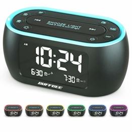 Buffbee Nachttisch-Wecker-Radio mit 7-Farben-Nachtlicht, Dual-Alarm, Snooze, Dimmer, USB-Ladegerät, Nap Timer, Digitaler Wecker mit FM-Radio und Auto-Off-Timer, netzbetrieben mit Batterie-Backup - 1